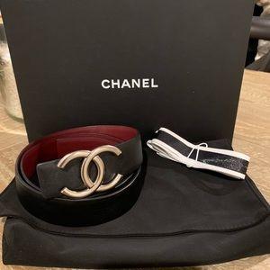 CHANEL 80/29 US Silver CC Black/Burgundy Belt